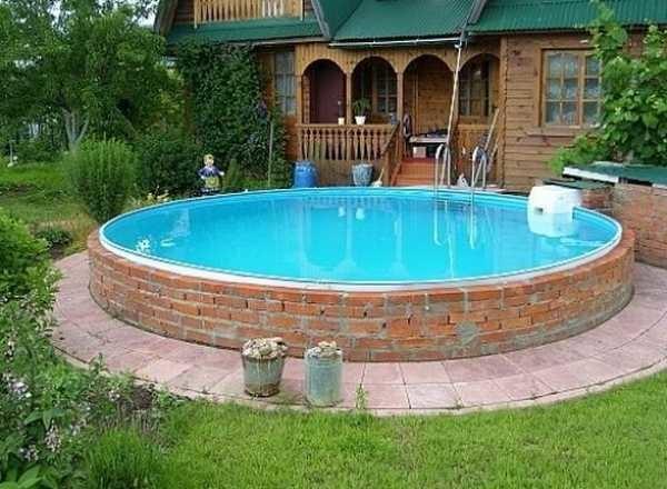 Плюсы и минусы бассейнов из кирпича