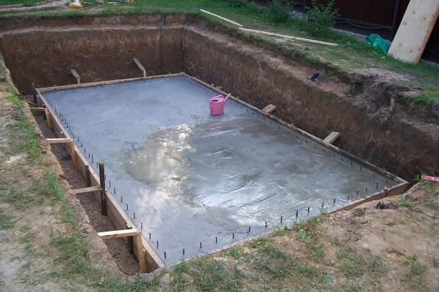 Фундамент для бассейна своими руками